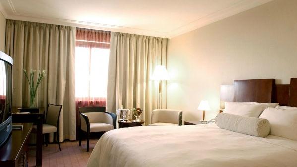 8834-westin-zagreb-guestroom-1