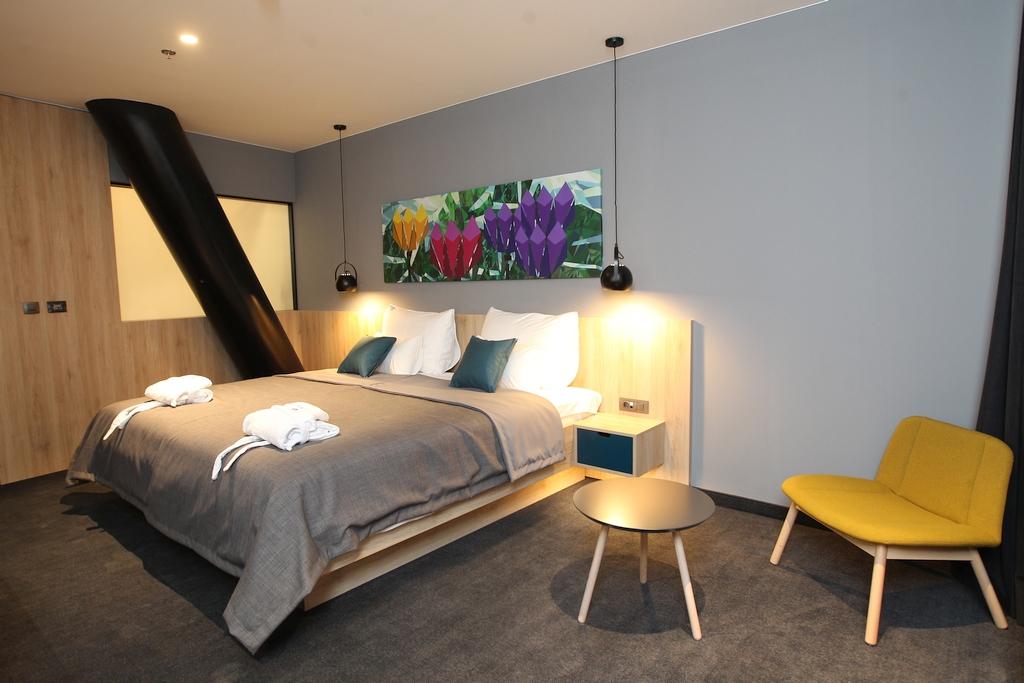 hotel_academia003